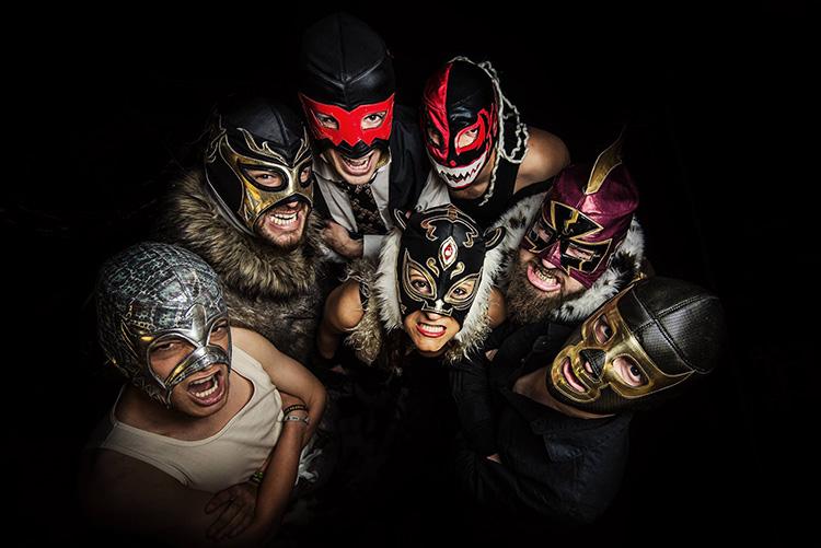 Santa Machete - 21 Poborina Folk